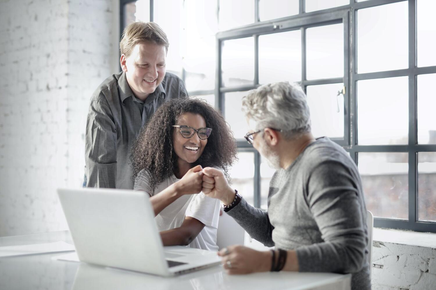 6 Effective Ways to Show Employees You Appreciate Them (KR)